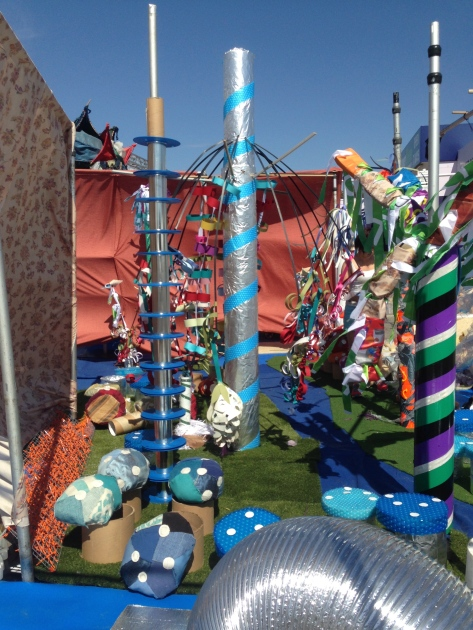 Perth events Instalasi untuk anak2 explore di Beaufort Street Festival