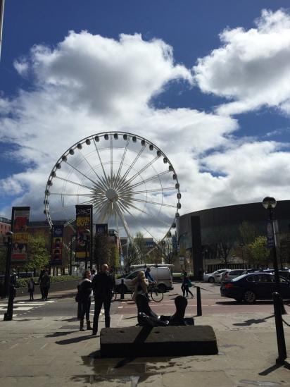 Ferrys Wheel depan Beatles Museum _ Liverpool Echo