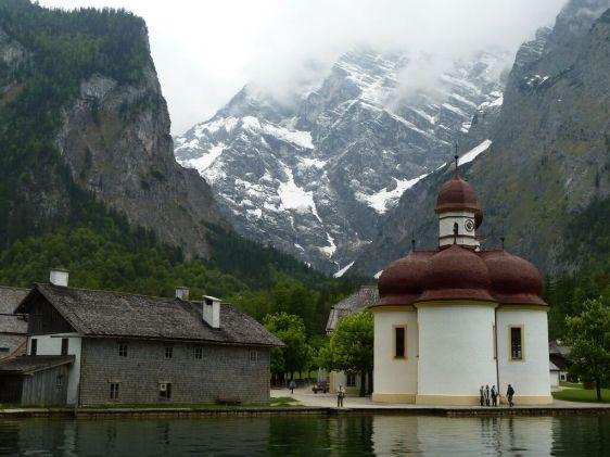 Koenigssee dan St. Bartholomae di Bavaria