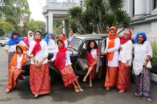 Ibu2 Pengajian Nurul Hikmah Sesi Foto Bersama