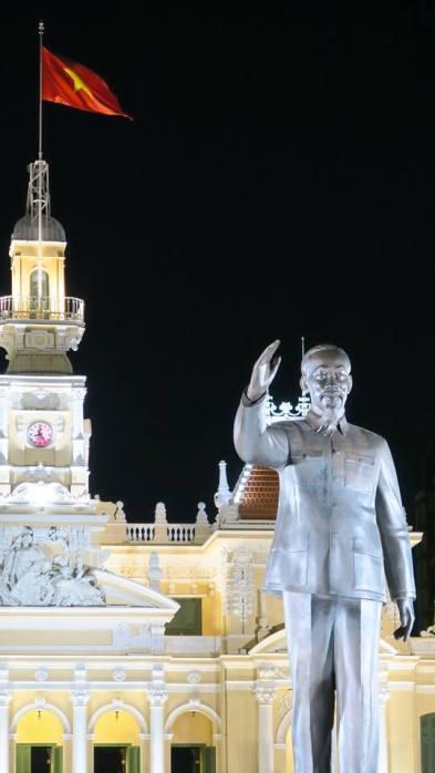 Patung Ho Chi Minh