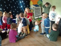 Suasana kegiatan di children centre, sangat baik untuk anak bersosialisasi