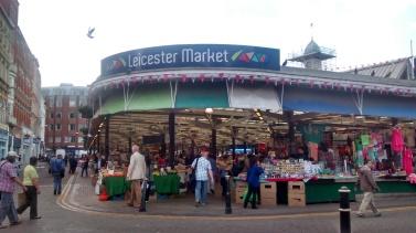 Foto 36.Leicester Market tempat dimana harga semua barang 50% lebih murah dibanding Egham