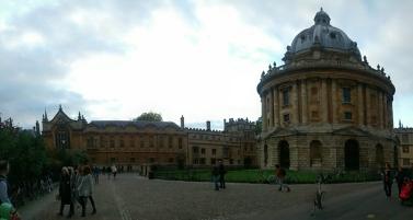 Foto 37. Salah satu bangunan terkenal di Oxford, pernah muncul di film x-men juga
