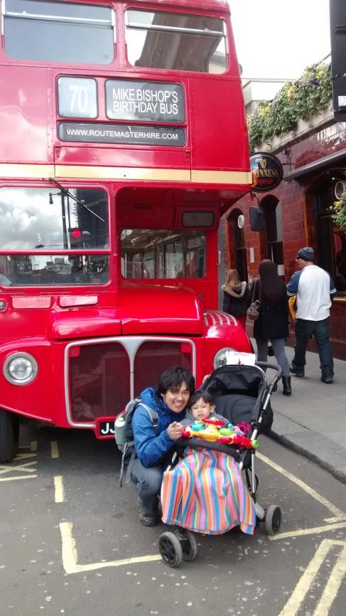 Foto 4. Contoh sarana transportasi bus