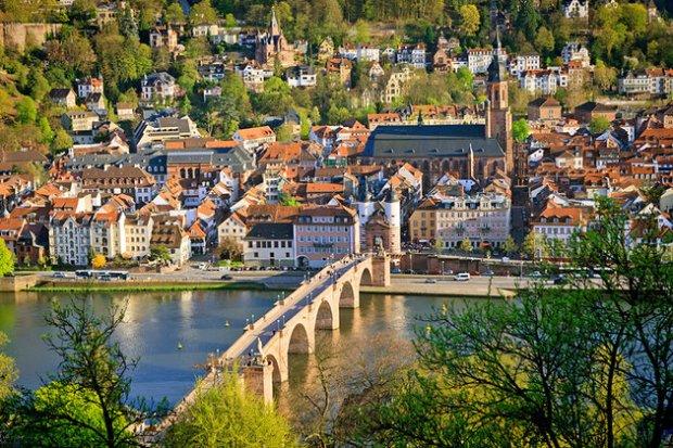 germany-heidelberg-hauptstrasse-altstadt