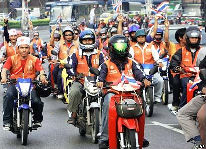 motorcycle-taxi-in-bangkok_1