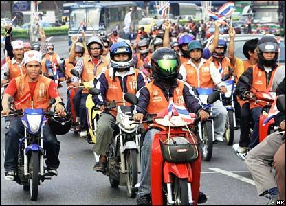 motorcycle-taxi-in-bangkok_1