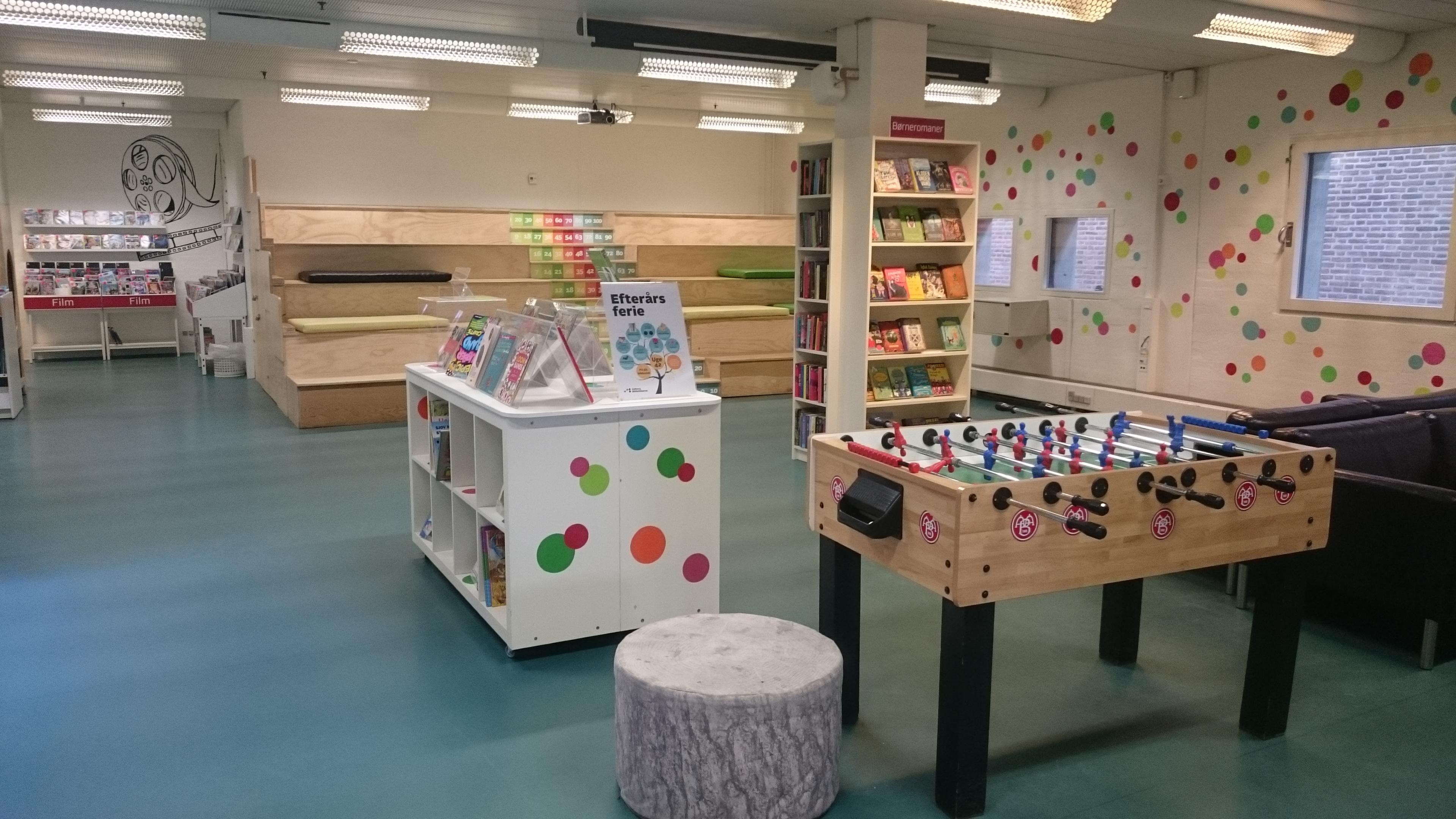 7) Area bermain anak di Aalborg hovedbibliotek