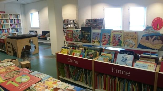 7) Buku-buku anak di Aalborg Hovedbibliotek